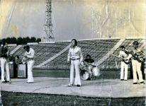 """Нажми на картинку Выступление на стадионе """"Лужники"""" 1975"""