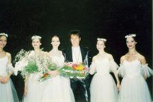 С балетом (третья слева балерина Татьяна Чернобровкина)